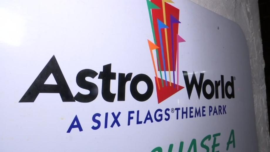 Download High Quality six flags logo font Transparent PNG ...